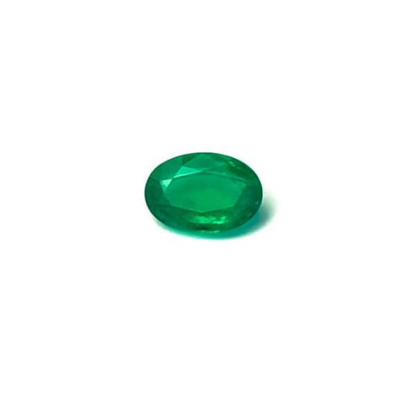 smaragd-facettiert-oval-edelstein